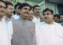 Split wide open: 16 Munde loyalists quit BJP