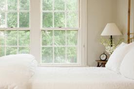 3 Easy Tips to De-Clutter Your Bedroom Today