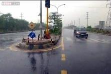 Temperature drops further as rains continue in Delhi