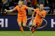Holland beat Uruguay 3-2 to reach finals