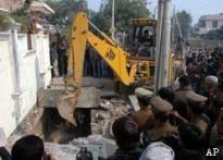 Cops rapped in Noida child killings