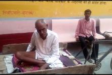 No Ambulance, Barabanki Man Reaches Hospital in a Handcart, Finds No Doctor
