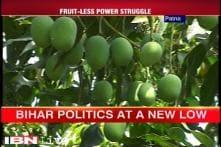 Bihar: Nitish Kumar, Jitan Ram Manjhi fight over fruits
