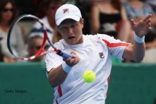 Qualifier Jones upsets Melzer in Auckland