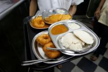 FDA Orders Probe After Viral Video Shows Mumbai Vendor 'Using' Toilet Water at Food Stall