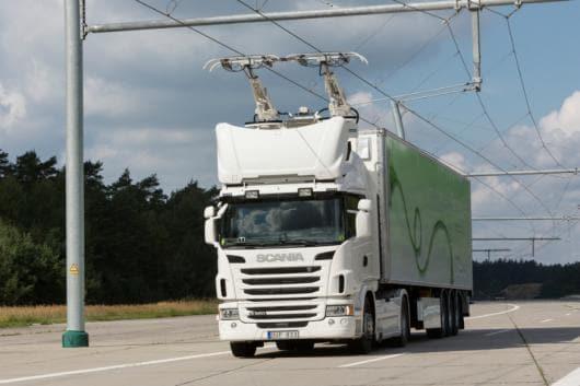 Trucks on the eHighway. (Source: Siemens)