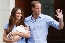 World gets first glimpse of royal baby as Kate leaves hospital