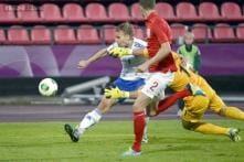 Borussia Dortmund sign Finland striker Tim Vayrynen