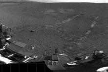 Curiosity spots 'UFOs' zooming across Mars