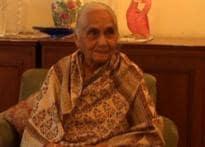 90-yr-old knocks CIC door for justice