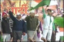 AAP holds poll victory rally at Jantar Mantar