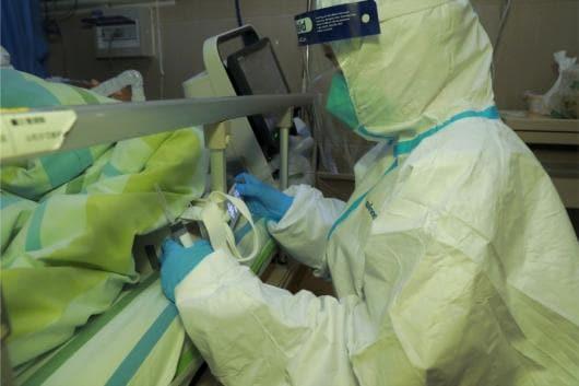 Coronavirus death toll passes 100, Chinese authorities say