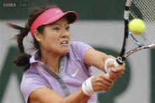 Second seed Li suffers Paris upset, Ferrer eases through