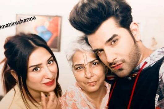 Mahira Sharma Meets Bigg Boss 13 Co-contestant Paras Chhabra and His Mother, See Pic