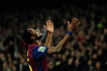 Ten-man Barcelona sink Sporting Gijon