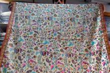 Stock Your Wardrobe with Kashmiri Fashion Pieces for Autumn-winter