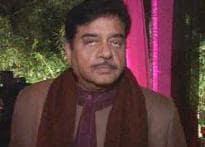 Star vs star: Shekhar Suman takes on Shatrughan