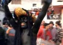 Border town dances to Holi beats