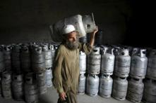 Pakistan Govt Raises Gas Prices by up to 143 Percent