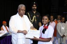 13 Muslim Students Among 286, Who Won Gita Chanting Contest in Bengal