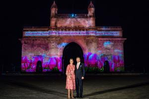 Gateway of India Illuminated with a Dutch Scene For Royals
