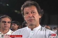 Pak leader Imran Khan offloaded from a US-bound flight