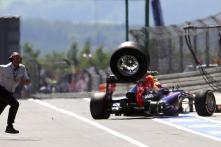Formula One body imposes pitlane clampdown