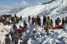 Army Porter Dead, Three Rescued in Avalanche near J&K's Line of Control