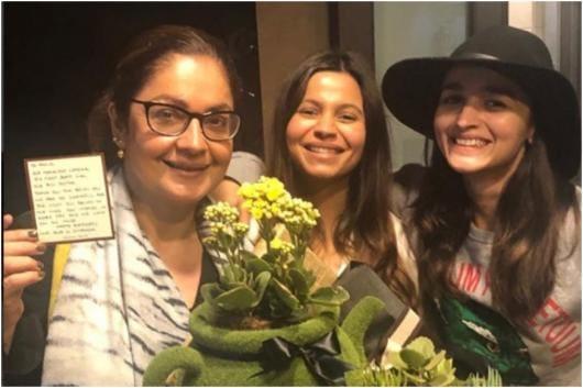 (L to R) Bhatt sisters Pooja, Shaheen and Alia