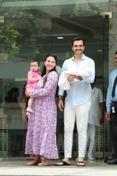 Esha Deol, Bharat Takhtani Bring Newborn Daughter Miraya