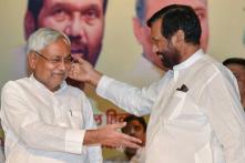 Allies Bring More Trouble for BJP, Nitish Kumar's JD(U) Backs Paswan Ultimatum on SC/ST Act