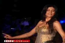 Sushmita Sen walks the ramp for Vikram Phadnis