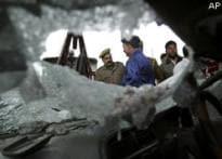 Powerful blast in Srinagar, 14 injured | <a href='http://www.ibnlive.com/videos/61587/terror-sends-a-reminder-in-srinagar.html'>Terror reminder</a>