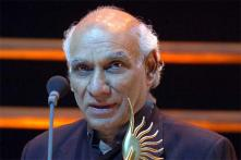 Bollywood mourns Yash Chopra's demise