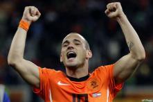 Sneijder, Villa in race for the Golden Ball
