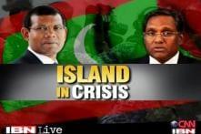 Khurshid speaks to Maldives govt to defuse crisis