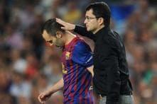 Iniesta to miss 2-3 weeks with hamstring injury