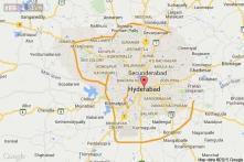 Hyderabad: Writer Kona Venkat looted at knifepoint