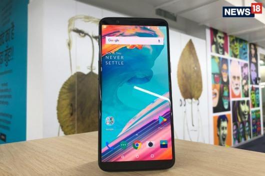 OnePlus 5T. Representative Image. (Image: News18.com)