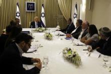 Netanyahu or Gantz? Israelis Await President's PM Choice After Crucial Talks End
