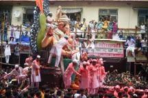 Ganesh Visarjan 2019: Devotees Bid Adieu to Lord Ganesha