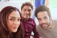 Golmaal Again: Tabu Shares a Selfie With Tusshar Kapoor, Johnny Lever