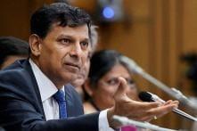 Raghuram Rajan Defends Inflation Record, Urges Independence