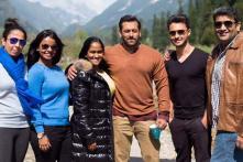 Salman Khan gets surprise visit from Arpita and Aayush Sharma on the sets of 'Bajrangi Bhaijaan'