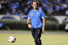 Valencia hire Juan Pizzi as new coach