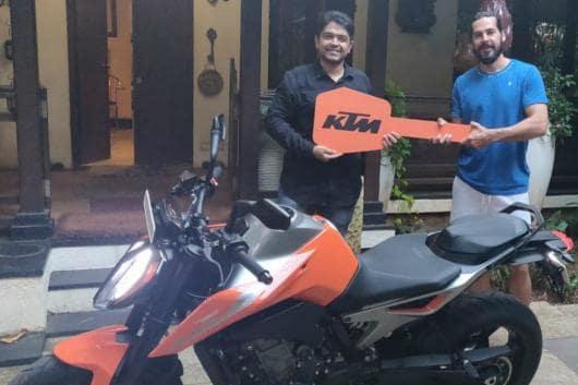 Dino Morea with his KTM 790 Duke. (Image source: Facebook/<a href=
