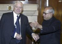 Fighters sale ties dominate India-US defence talks