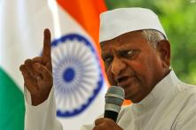 Anna threatens another indefinite fast for Lokpal Bill