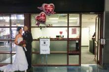 Valentines Get Quickie Marriage Licences at Las Vegas Airport