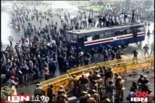 Delhi gangrape protest: Commuters face tough time
